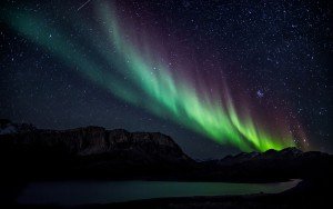 aurora-borealis-nature-hd-wallpaper-1920x1200-10227